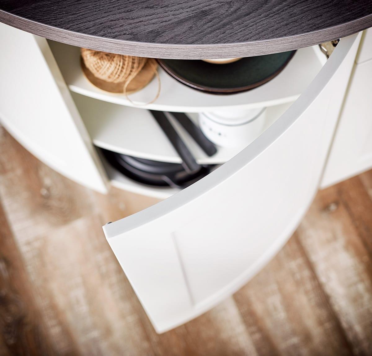 Lotus Curved Shaker Kitchen Doors | Alm Studios