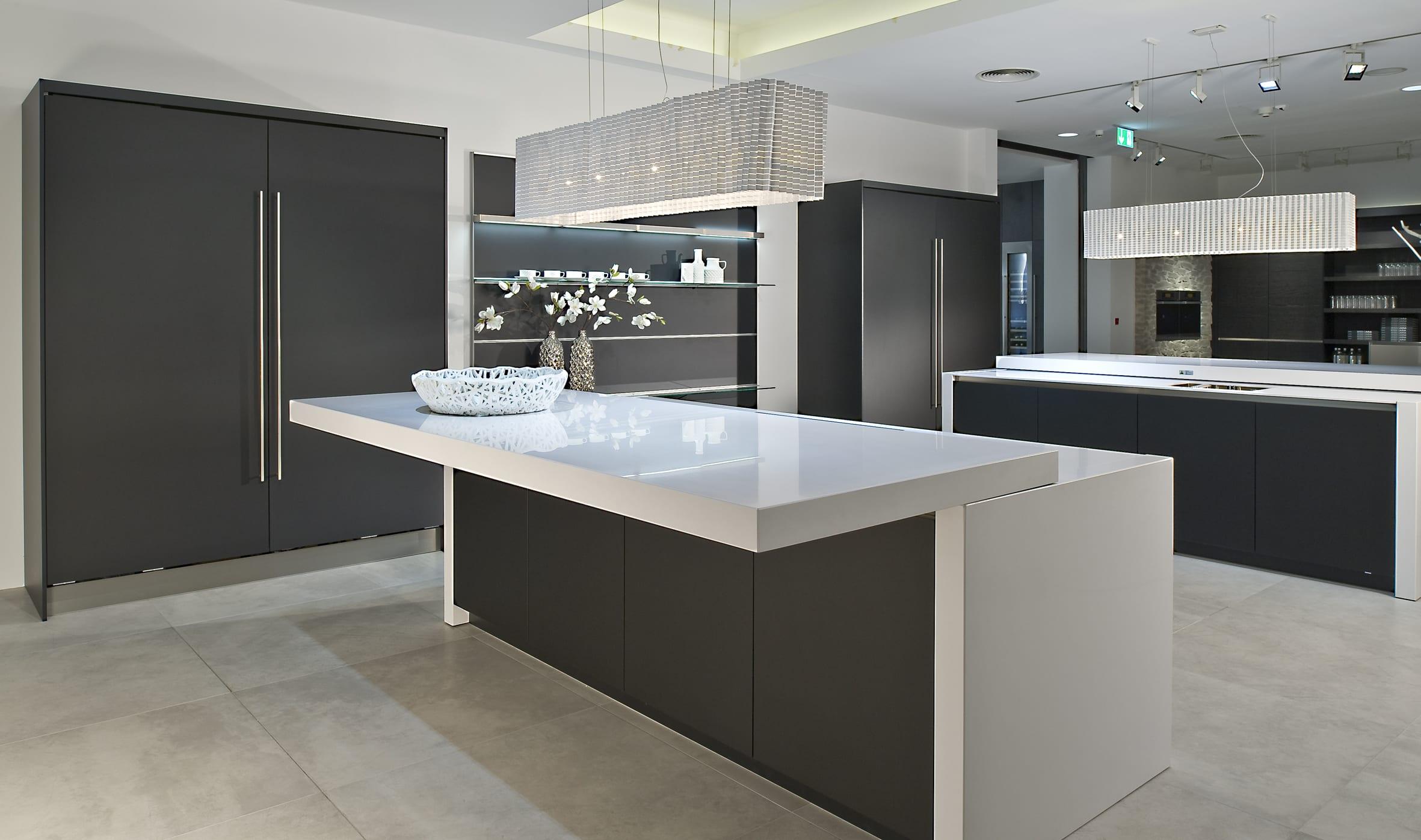 47 AV5095GL schwarz - Net Kitchens Direct, Walthamstow