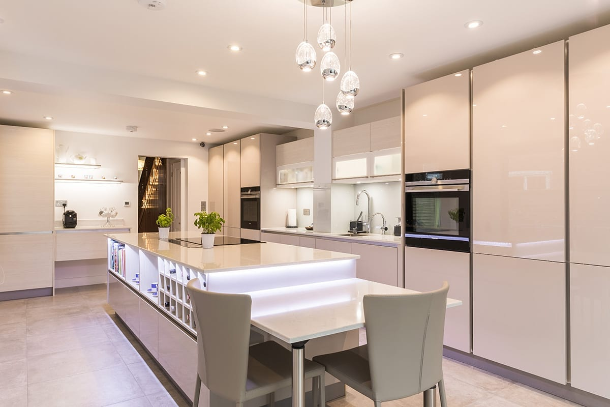 2. Cashmere gloss lacquer kitchen finish - Swans Of Gravesend