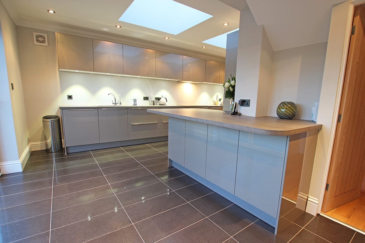 Luxury Laminate Worktop With Curves - Kitchen Warehouse Winchester